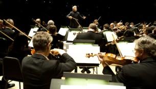 TSO Music Director Peter Oundjian conducting the TSO