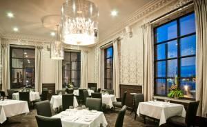 Интерьер лучшего в 2014 году ресторана Канады, Raymonds.